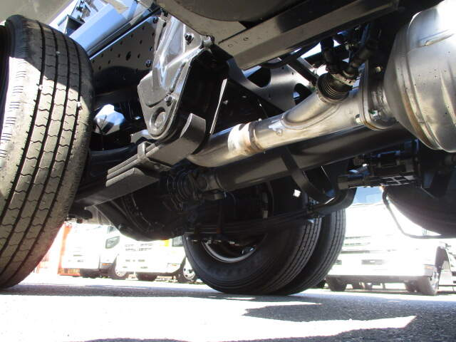 三菱 キャンター 小型 アームロール ツインホイスト TPG-FBA50|走行距離 0.1万km トラック 画像 トラックランド掲載