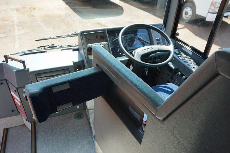 日産UD その他 中型 バス 観光バス KK-JM252GAN|運転席 トラック 画像 トラック王国掲載
