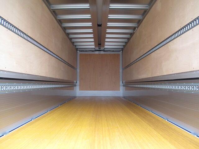 日野 レンジャー 中型 ウイング エアサス ベッド|トラック 背面・荷台画像 トラック市掲載