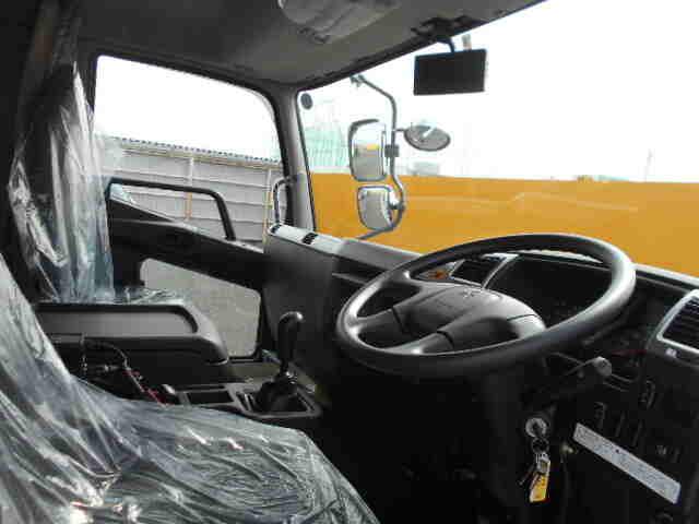 三菱 ファイター 中型 ウイング エアサス ベッド|型式 2KG-FK65FZ トラック 画像 栗山自動車掲載