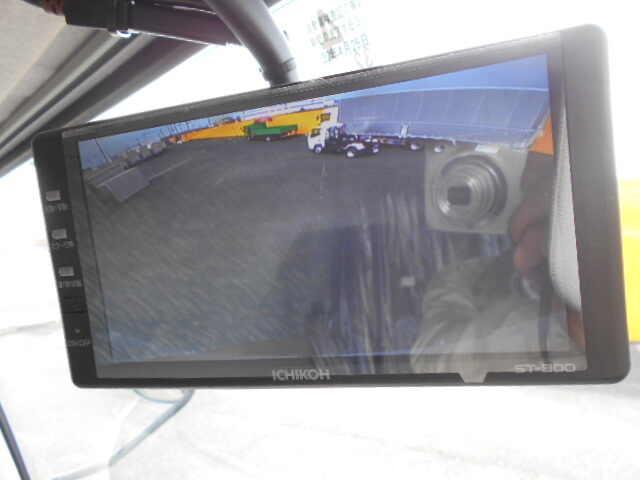 三菱 ファイター 中型 ウイング エアサス ベッド|積載 7.2t トラック 画像 ステアリンク掲載