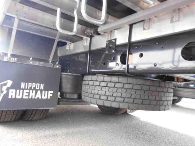 三菱 ファイター 中型 ウイング エアサス ベッド|エンジン トラック 画像 トラスキー掲載