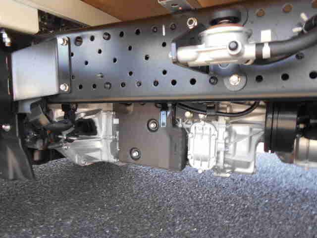 いすゞ エルフ 小型 平ボディ TRG-NMR85AR H30 積載 2t トラック 画像 ステアリンク掲載