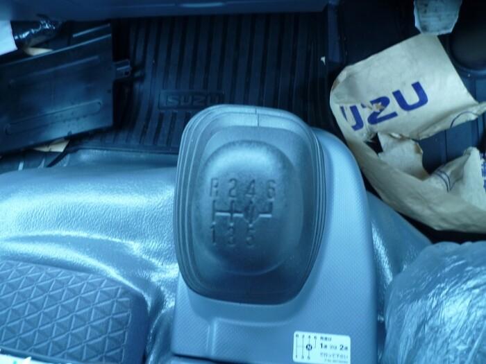 いすゞ エルフ 小型 平ボディ TRG-NPR85AR H30|型式 TRG-NPR85AR トラック 画像 栗山自動車掲載