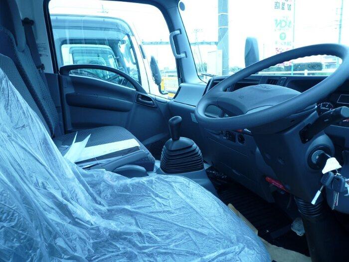 いすゞ エルフ 小型 平ボディ TRG-NPR85AR H31/R1|フロントガラス トラック 画像 トラック王国掲載