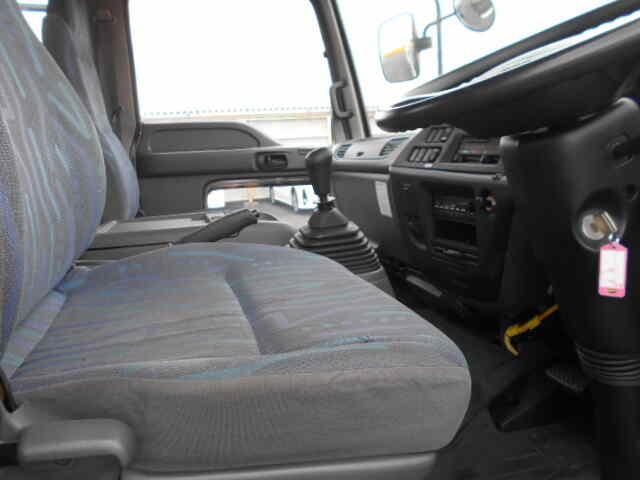 いすゞ フォワード 中型 平ボディ 床鉄板 ベッド 年式 H18 トラック 画像 トラックサミット掲載