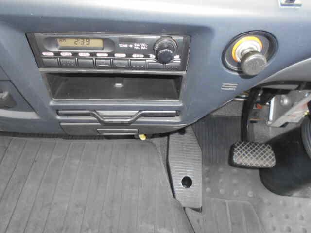 いすゞ フォワード 中型 平ボディ 床鉄板 ベッド リサイクル券 11,240円 トラック 画像 トラック市掲載