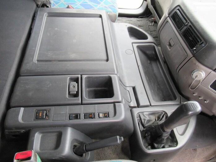 日野 プロフィア 大型 トラクタ 2デフ エアサス|型式 KL-SS1FJGA改 トラック 画像 栗山自動車掲載