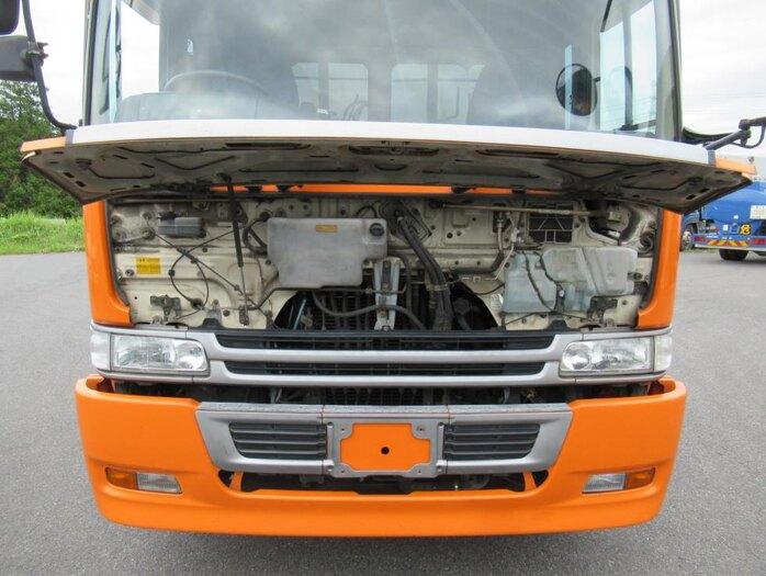 日野 プロフィア 大型 トラクタ 2デフ エアサス|運転席 トラック 画像 トラック王国掲載