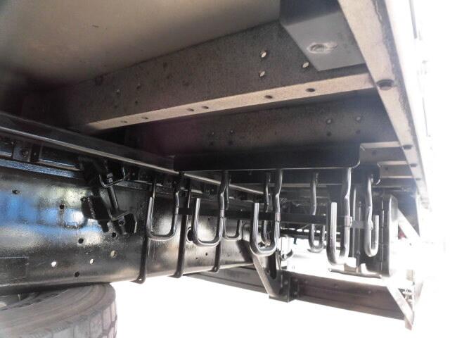 日産UD クオン 大型 ウイング エアサス ベッド|積載 13.1t トラック 画像 ステアリンク掲載