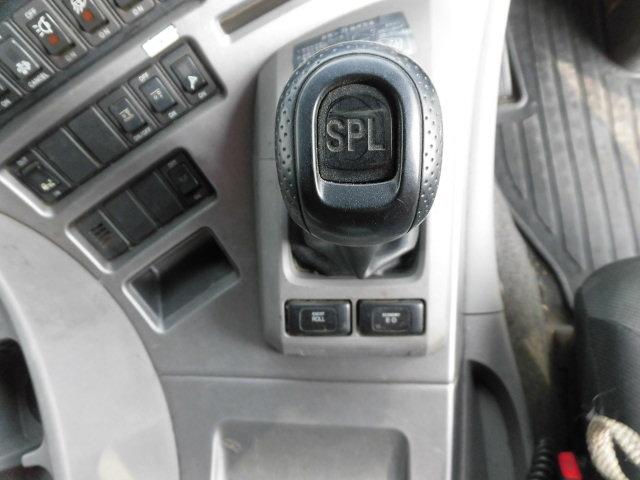 日産UD クオン 大型 ウイング エアサス ベッド|エンジン トラック 画像 トラスキー掲載