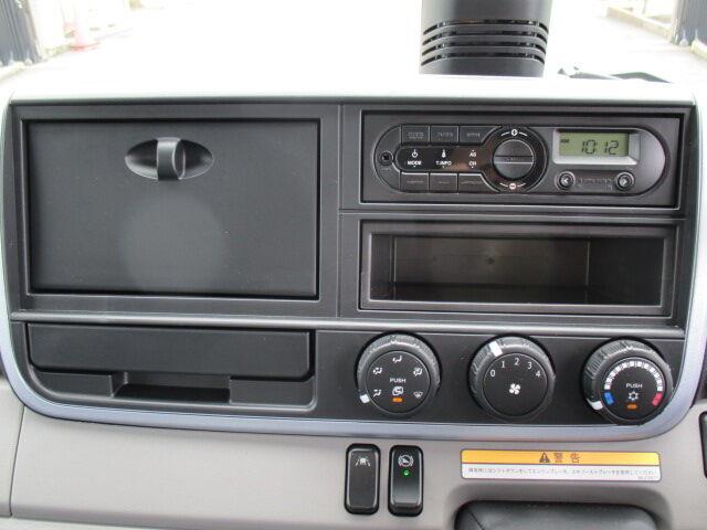 三菱 キャンター 小型 ウイング TPG-FEB80 H30|駆動方式 4x2 トラック 画像 リトラス掲載