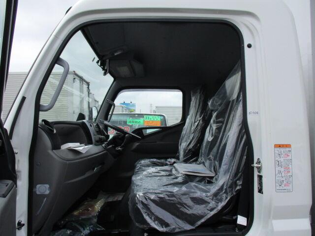 三菱 キャンター 小型 ウイング TPG-FEB80 H30|車検  トラック 画像 キントラ掲載