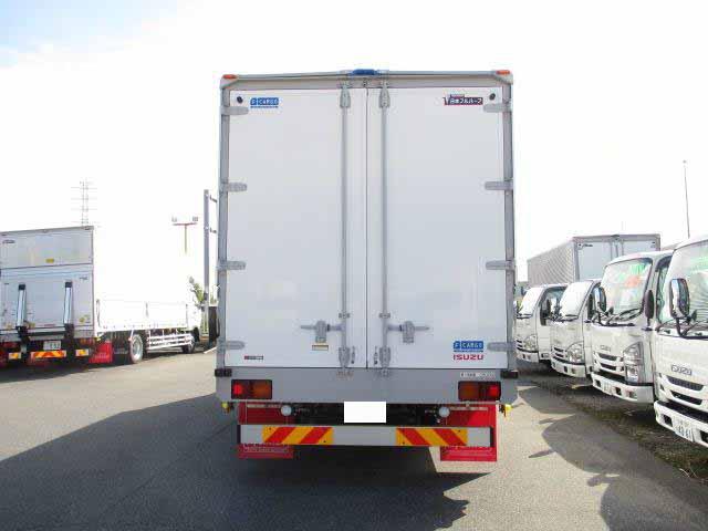 いすゞ フォワード 中型 ウイング エアサス ベッド|年式 H31/R1 トラック 画像 トラックサミット掲載