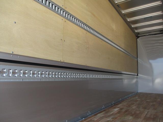 いすゞ フォワード 中型 ウイング エアサス ベッド|型式 2RG-FRR90T2 トラック 画像 栗山自動車掲載