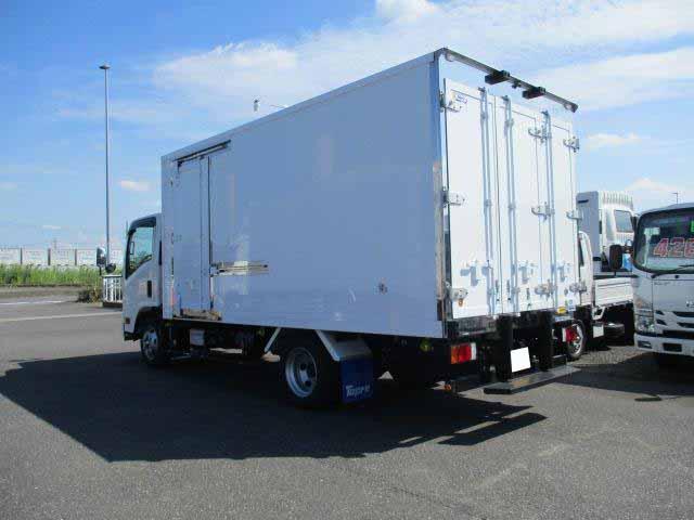 いすゞ エルフ 小型 冷凍冷蔵 低温 スタンバイ|エンジン トラック 画像 トラスキー掲載