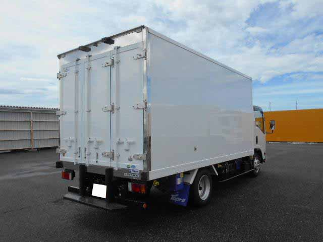 いすゞ エルフ 小型 冷凍冷蔵 低温 スタンバイ|トラック 右後画像 リトラス掲載