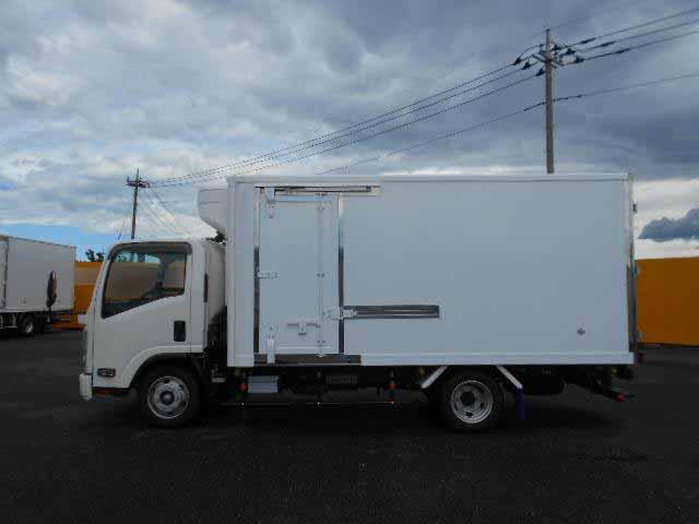 いすゞ エルフ 小型 冷凍冷蔵 低温 スタンバイ|走行距離 0.2万km トラック 画像 トラックランド掲載