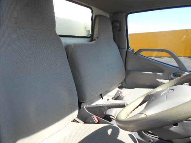 トヨタ ダイナ 小型 冷凍冷蔵 低温 スタンバイ|シフト MT5 トラック 画像 ステアリンク掲載