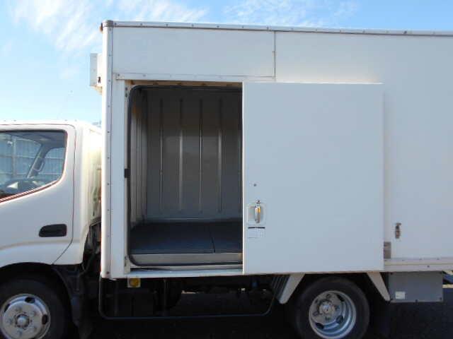 トヨタ ダイナ 小型 冷凍冷蔵 低温 スタンバイ|エンジン トラック 画像 トラスキー掲載