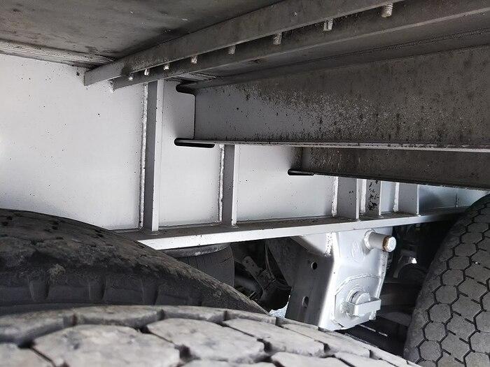 国内・その他 国産車その他 その他 トレーラ 3軸 エアサス|型式 DFPDG341AN トラック 画像 栗山自動車掲載