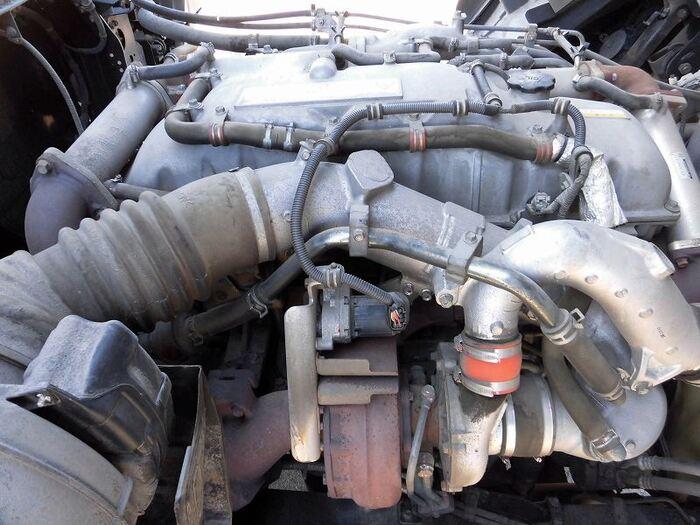いすゞ ギガ 大型 ウイング エアサス ベッド|荷台 床の状態 トラック 画像 トラックサミット掲載