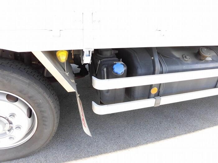 いすゞ ギガ 大型 ウイング エアサス ベッド|駆動方式 8x4 トラック 画像 リトラス掲載