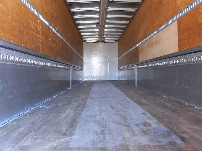 いすゞ ギガ 大型 ウイング エアサス ベッド|トラック 背面・荷台画像 トラック市掲載