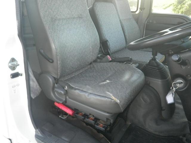いすゞ フォワード 中型 パッカー車 プレス式 ベッド 駆動方式 4x2 トラック 画像 リトラス掲載