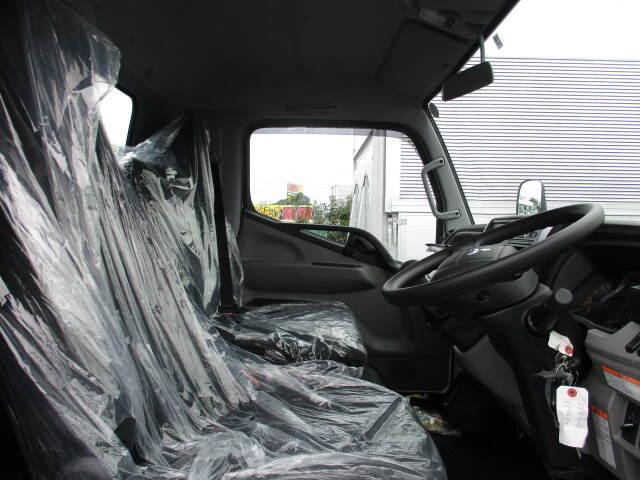 三菱 キャンター 小型 クレーン付 6段 ラジコン|車検  トラック 画像 キントラ掲載
