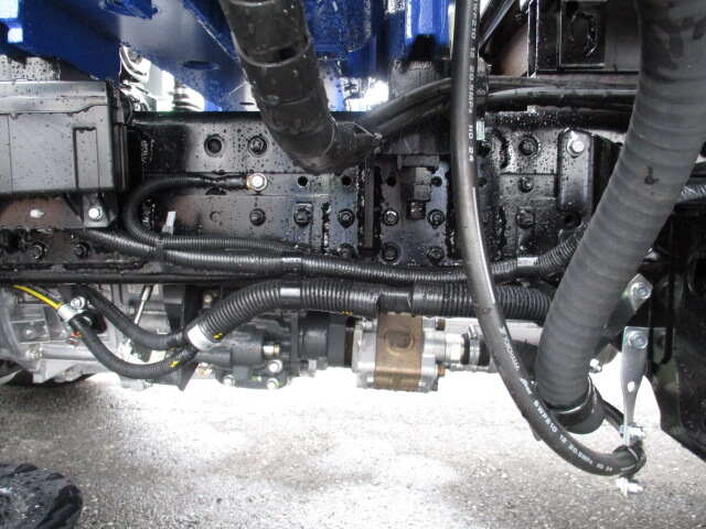 三菱 キャンター 小型 クレーン付 6段 ラジコン|タイヤ トラック 画像 トラック市掲載