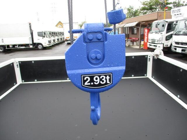 三菱 キャンター 小型 クレーン付 6段 ラジコン|荷台 床の状態 トラック 画像 トラックサミット掲載