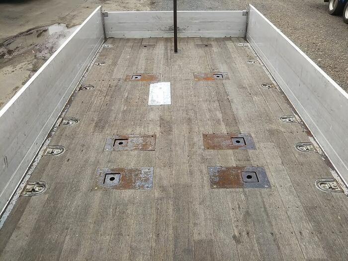 日野 レンジャー 中型 平ボディ アルミブロック ベッド|走行距離 77.8万km トラック 画像 トラックランド掲載