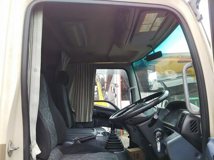 日野 レンジャー 中型 平ボディ アルミブロック ベッド|運転席 トラック 画像 トラック王国掲載