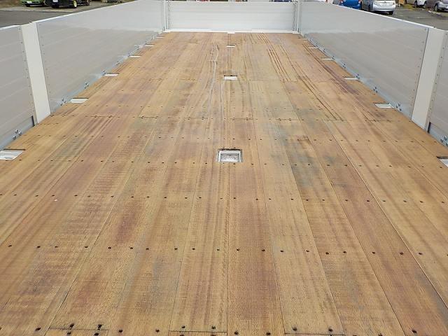 日野 プロフィア 大型 車輌重機運搬 4段クレーン ラジコン 画像4