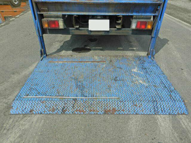 マツダ タイタン 小型 平ボディ Wキャブ パワーゲート|走行距離 12.5万km トラック 画像 トラックランド掲載