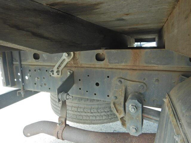 マツダ タイタン 小型 平ボディ Wキャブ パワーゲート|荷台 床の状態 トラック 画像 トラックサミット掲載