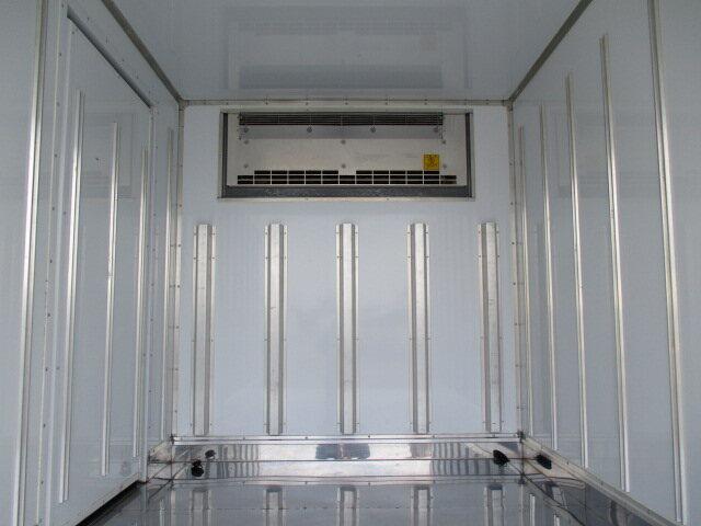 日野 デュトロ 小型 冷凍冷蔵 低温 スタンバイ|トラック 背面・荷台画像 トラック市掲載