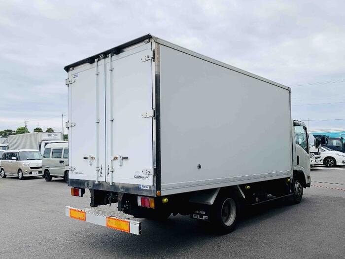 いすゞ エルフ 小型 冷凍冷蔵 低温 床アルミ|トラック 右後画像 リトラス掲載