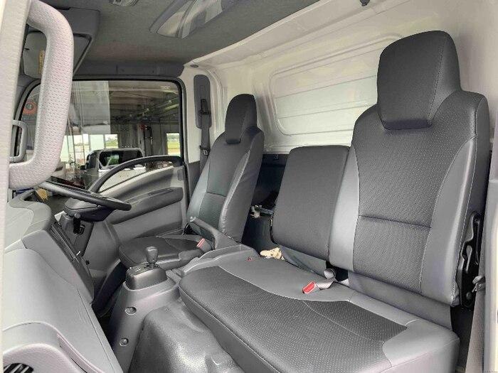 いすゞ エルフ 小型 冷凍冷蔵 低温 床アルミ|駆動方式 2WD トラック 画像 リトラス掲載