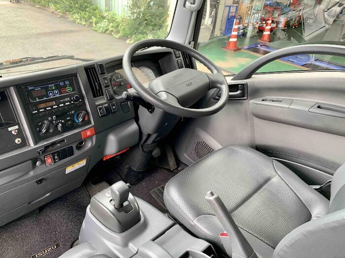 いすゞ エルフ 小型 冷凍冷蔵 低温 床アルミ|荷台 床の状態 トラック 画像 トラックサミット掲載