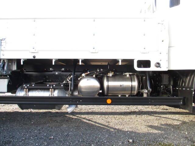 三菱 ファイター 中型 平ボディ ベッド 2KG-FK62F|馬力 220ps トラック 画像 トラックバンク掲載