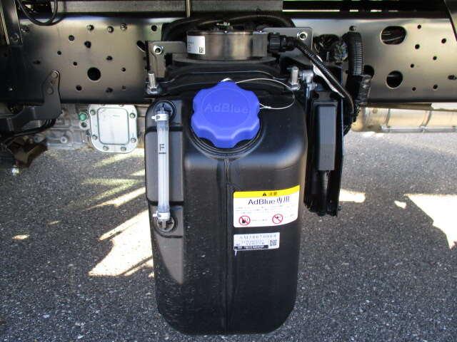 日野 レンジャー 中型 平ボディ アルミブロック ベッド|コーションプレート トラック 画像 リトラス掲載