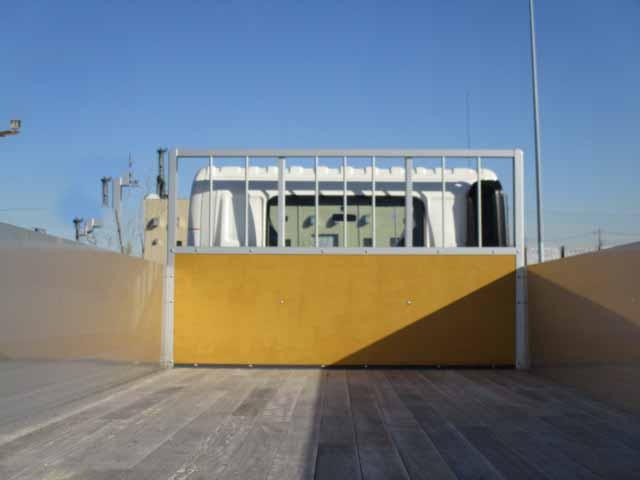 日野 レンジャー 中型 平ボディ アルミブロック ベッド|トラック 背面・荷台画像 トラック市掲載