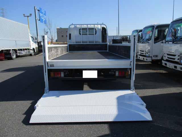 いすゞ エルフ 小型 平ボディ パワーゲート SKG-NNR85AR|フロントガラス トラック 画像 トラック王国掲載