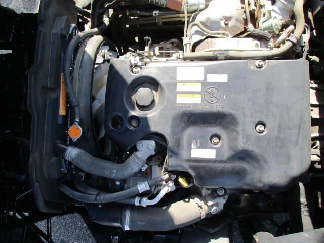 いすゞ エルフ 小型 平ボディ パワーゲート SKG-NNR85AR|荷台 床の状態 トラック 画像 トラックサミット掲載