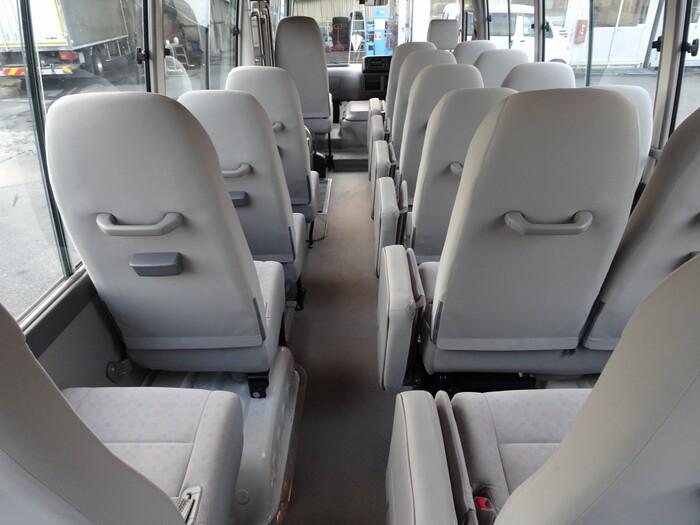 トヨタ コースター 小型 バス マイクロバス SDG-XZB50|フロントガラス トラック 画像 トラック王国掲載
