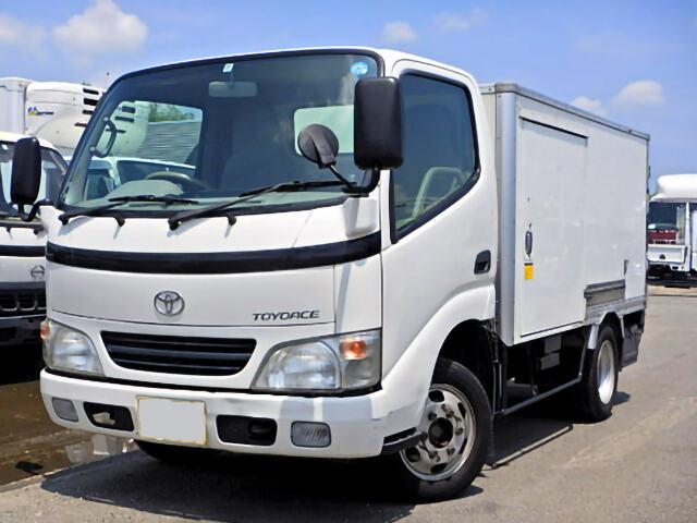 トヨタ トヨエース 小型 冷凍冷蔵 中温 床ステン|トラック 左前画像 トラックバンク掲載