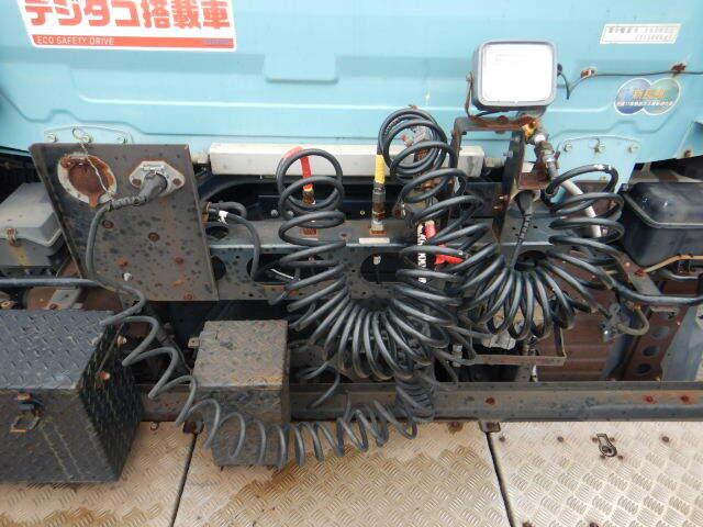日産UD クオン 大型 トラクタ 1デフ エアサス|車検  トラック 画像 キントラ掲載