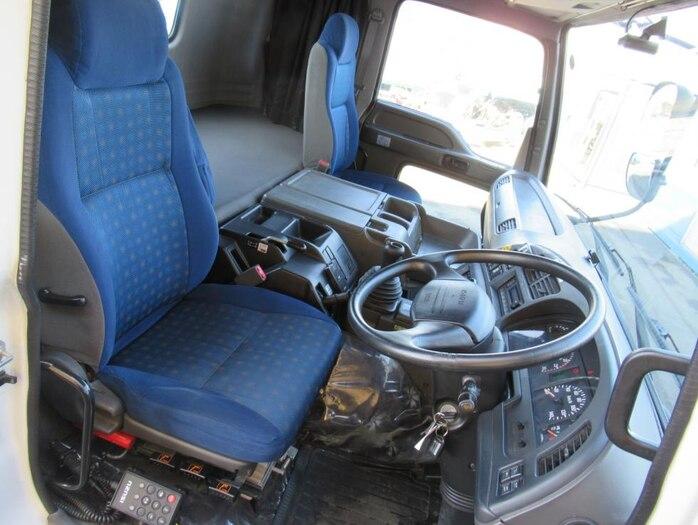 いすゞ ギガ 大型 トラクタ ハイルーフ 1デフ 走行距離 33.2万km トラック 画像 トラックランド掲載